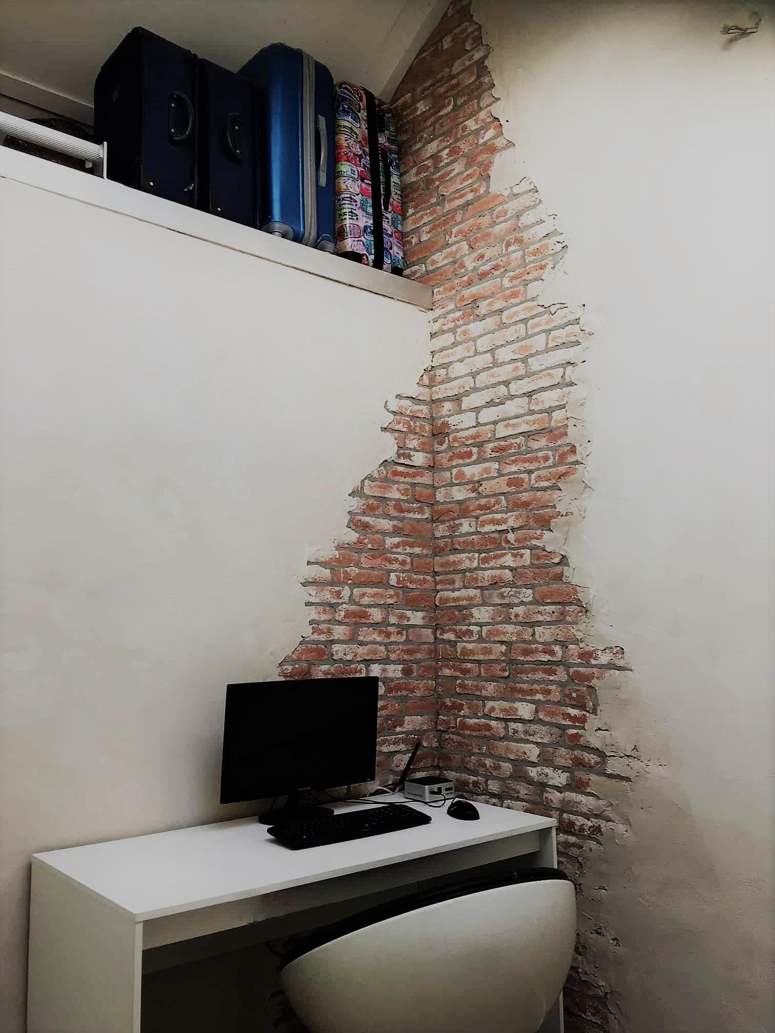 Foto Op De Muur.Oude Bakstenen Op Een Gedeelte Van De Muur Wall Of Steen