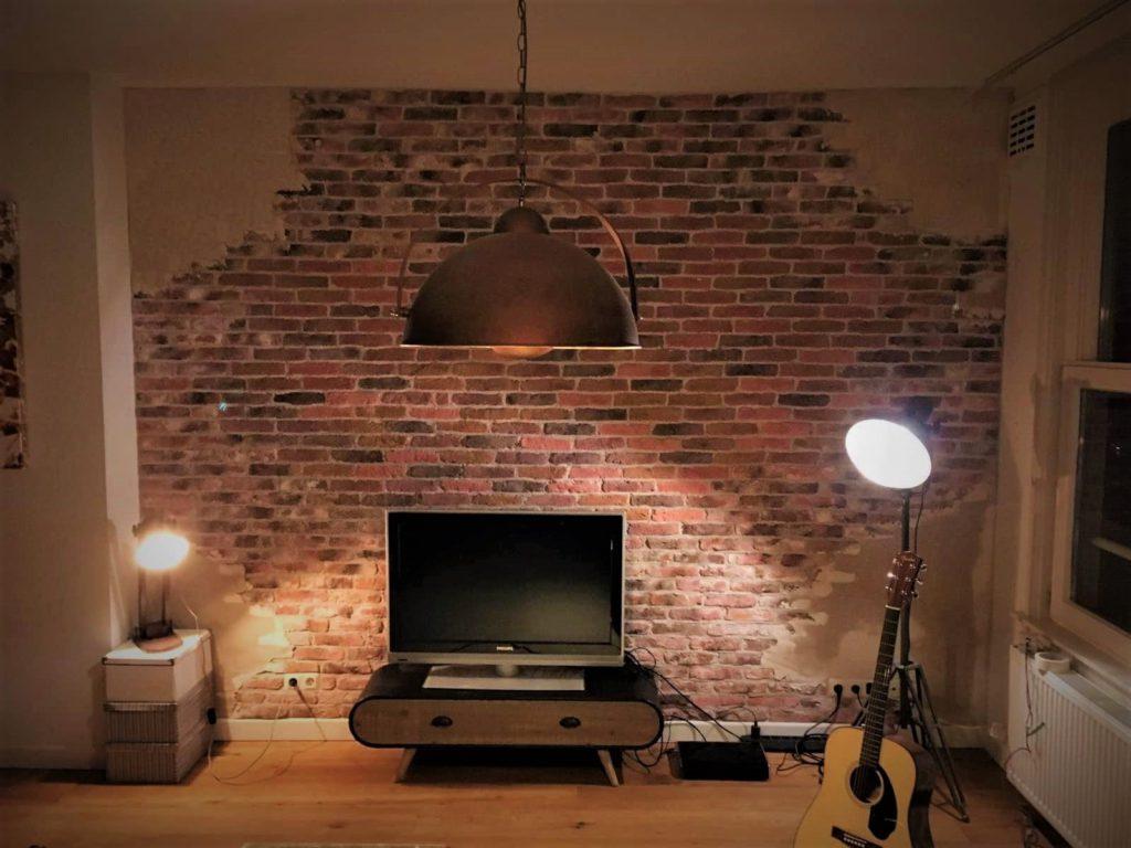 industriële bakstenen muur-oude muur -verweerde muur-stoere muur